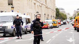 Paris polis merkezinde saldırı: 4 ölü