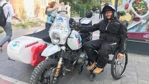 Fransız motosikletçiler Batmanda