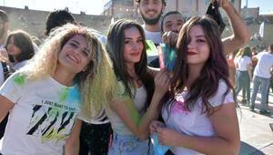 MAKÜ'de 'üniversitene hoş geldin' partisi
