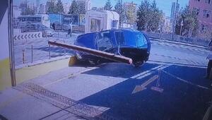 Başakşehirde AVM girişinde akılalmaz kaza