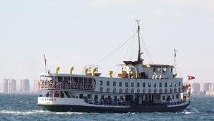 İzmirde vapur seferleri iptal edildi