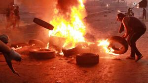 Irakta göstericiler bazı siyasi partilerin ofislerini ateşe verdi
