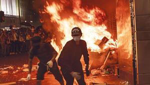 Hong Kong'da maske yasağı ters tepti
