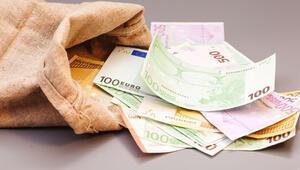 'Yardım edeyim' dedi, 80 bin Euro dolandırdı