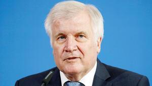 Alman İçişleri Bakanı göç konusunda uyardı