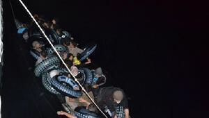 Çanakkalede lastik bot içinde 42si çocuk, 87 kaçak göçmen yakalandı
