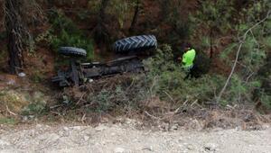 Traktör uçurumdan yuvarlandı