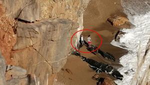 Geziye gittikleri mağarada mahsur kaldılar