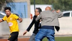 Kulüp Başkanı, kırmızı kart gören futbolcusunu dövdü