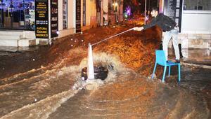 Bodrumda caddeler göle döndü, ekipler teyakkuza geçti