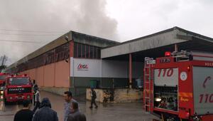 Kocaeli'de mobilya deposunda yangın