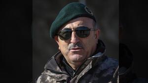 Çavuşoğlundan Mehmetçike üniformalı moral fotoğrafı