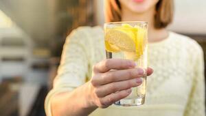 Limonlu su içmek gerçekten zayıflatıyor mu
