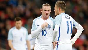 İngiltere'de futbolcu eşleri arasında Instagram kavgası!