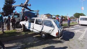 Beton mikseri otomobile çarptı: 7 yaralı