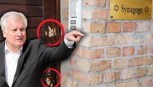 Seehofer: 'Yahudi düşmanı bir saldırı'