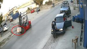 Yer Adana... Çaldıkları kasayı forkliftle taşıdılar
