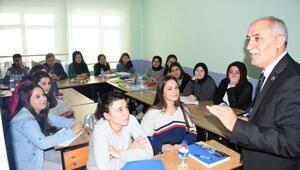 Yenişehir'de üniversiteye ücretsiz hazırlık kursları başladı