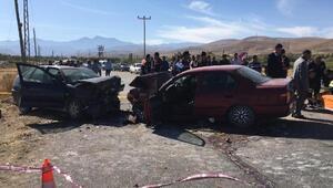 Ereğlide iki otomobil çarpıştı: 2 ölü, 3 yaralı