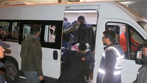 Foçada 42 göçmen yakalandı