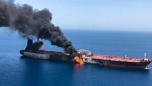 Son dakika... Kızıldenizdeki İran tankerinde patlama meydana geldi