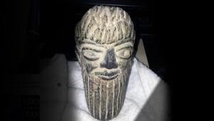 Asur Uygarlığına ait heykelle yakalanan 2 şüpheliye gözaltı