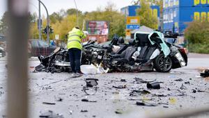 Hamburg'da korkunç kaza 1 kişi öldü 1 kişi yaralandı
