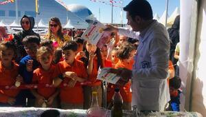 Bilim meraklıları 'Sen de yapabilirsin' festivalinde buluştu