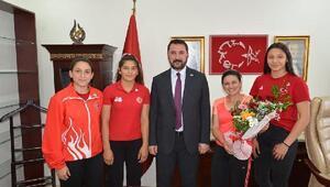 Başkan Bekler, sporcuları ödüllendirdi