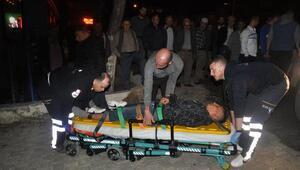 Tekirdağda motosiklet arabaya çarptı: 2 yaralı