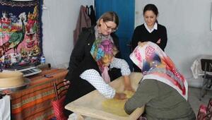 Kırklarelinde kadınlar kargo ile tarhana ve salça satıyor