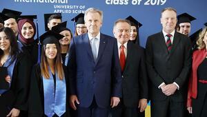BAU Global Berlin'de üçüncü mezunlarını verdi