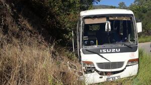 Tur midibüsü devrildi: 3ü turist 4 yaralı