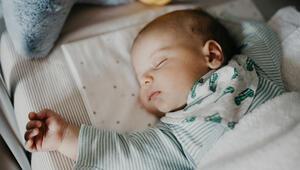 Yenidoğan bebeğin uyku düzeni nasıl olmalı