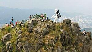 Hong Kong'un yeni gecekondu heykeli