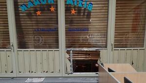 Terör örgütü yandaşları Almanyada cami ve iş yerlerine zarar verdi