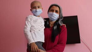 Lösemi hastası Fatma Naz, yardım eli uzanmasını bekliyor