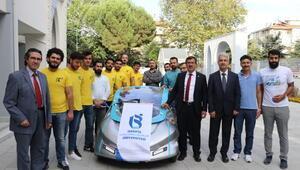 Üniversitelilerden bataryası ısıya dayanıklı elektrikli araç