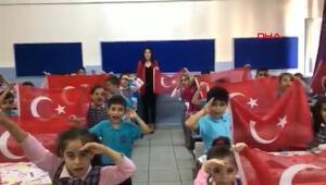İlkokul öğrencilerinden Mehmetçiğe selam