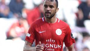Antalyaspor'da Charles sevinci