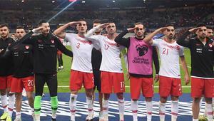 Son dakika: UEFA skandal kararı açıkladı İki maçımıza soruşturma