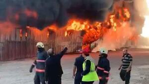Elazığda plastik fabrikasının deposunda yangın