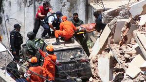 Brezilya'da 7 katlı bina çöktü!