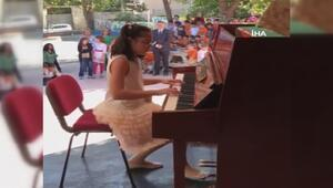 Köylü çocuklar hayatlarında ilk defa piyano resitali izledi