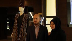 Reyyan Erdoğan'ın tasarladığı elbise sıfır atık için açık artırmada