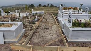 Paşakent mezarlığında ana ve ara yollar düzenleniyor