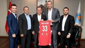 Başkan Seçer'den A Milli Kadın Basketbol Takımı'na tam destek