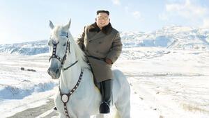 Beyaz atı üstünde meydan okudu