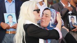 Srebrenitsalı annelerle ağlatan buluşma