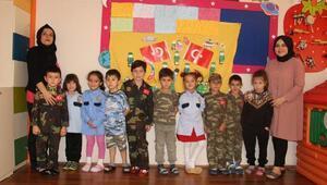 Minik öğrencilerden Mehmetçike duygulandıran destek